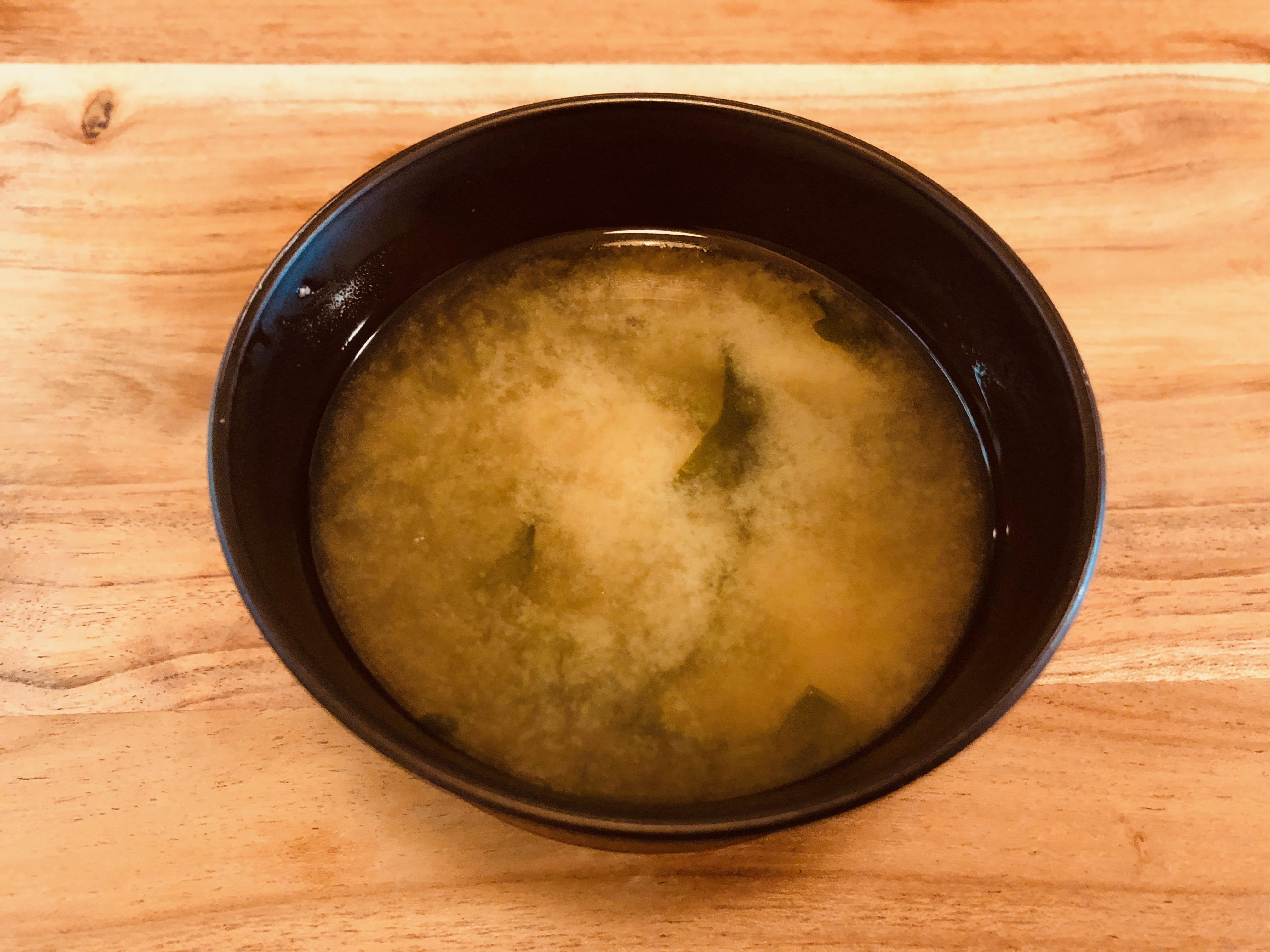 水出汁から作るわかめの味噌汁