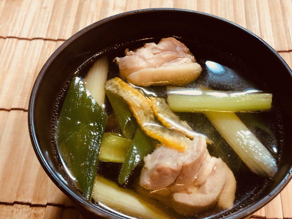 鶏肉とネギと小松菜のお吸い物